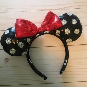 Polka dot Minnie ears from Disney!!!